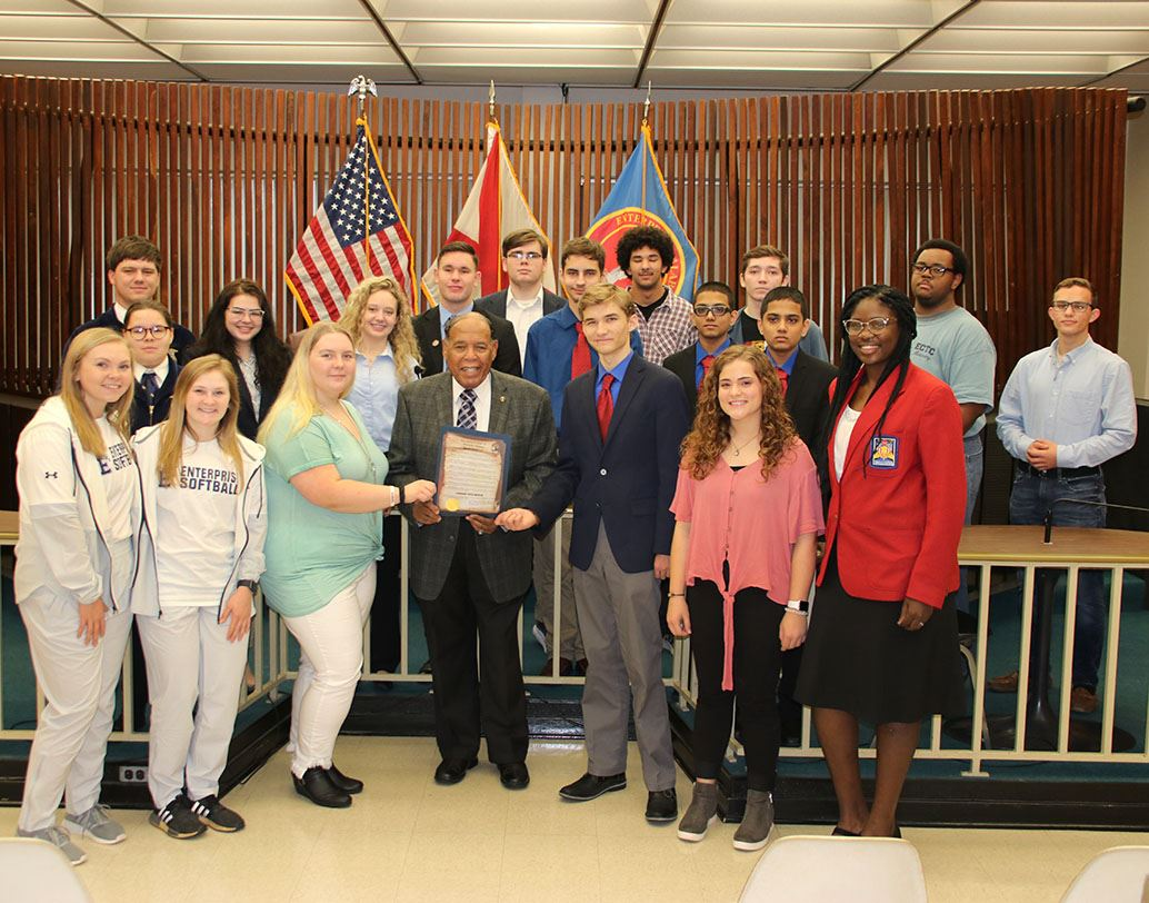 wStudent groups with mayor