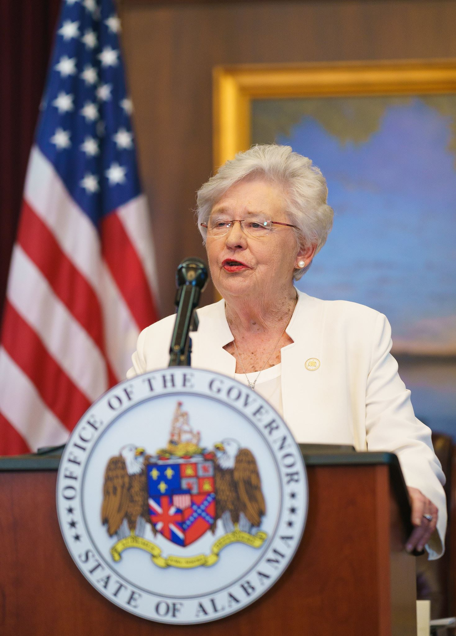 Gov Kay Ivey at lecturn